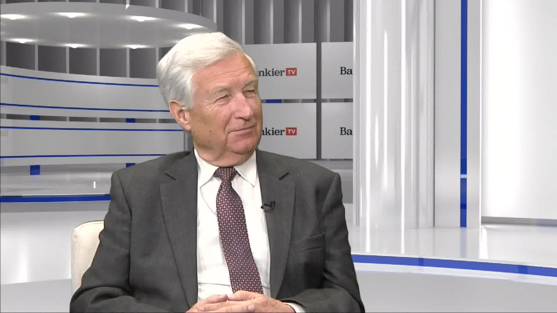 Piotr Kuczyński ponownie bawi się w Wyrocznię